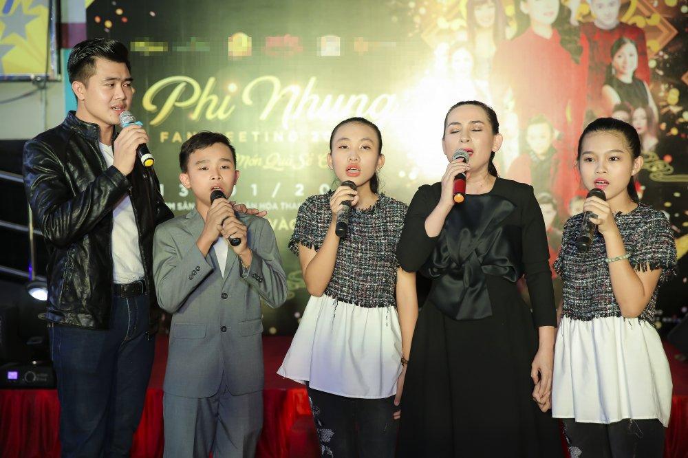 Phi Nhung lan dau gioi thieu con gai ruot Wendy Pham voi cong chung hinh anh 9
