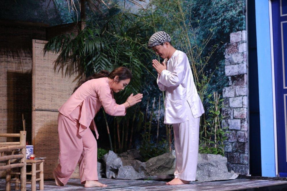 Truong Giang bat Thanh Hang di khoc muon de doi tien Hoai Linh hinh anh 1