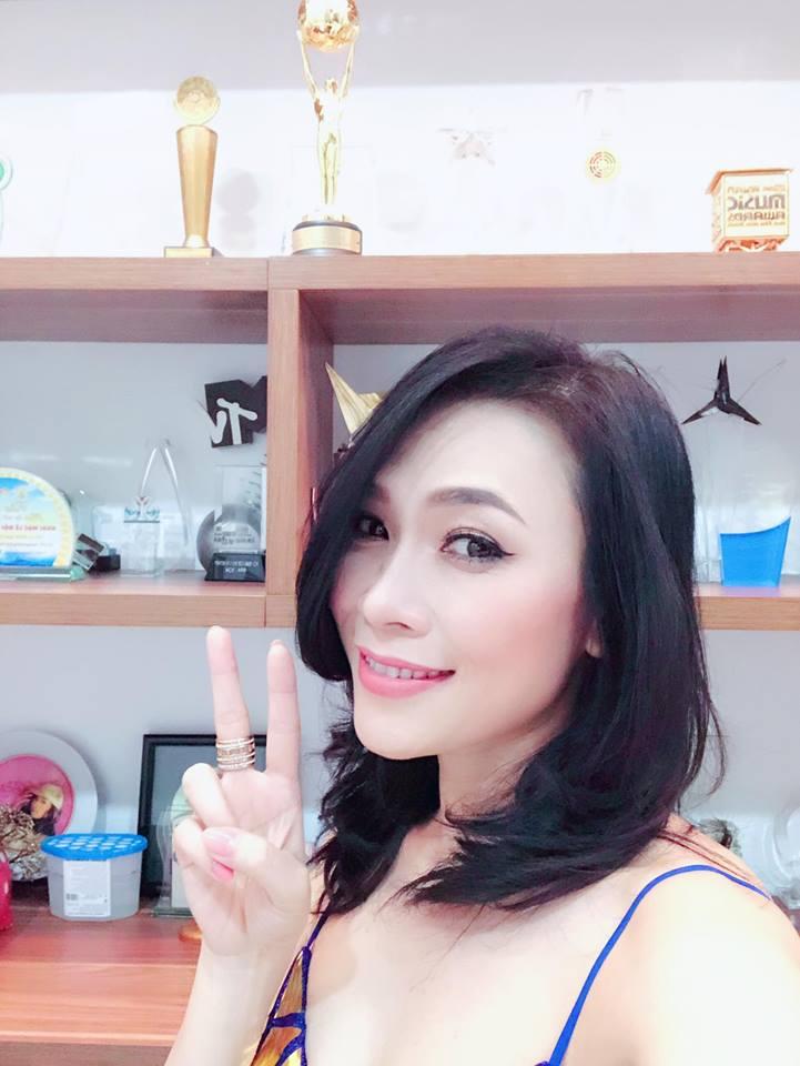 My Tam, Thuy Tien va loat sao Viet don nam moi 2018 the nao? hinh anh 1