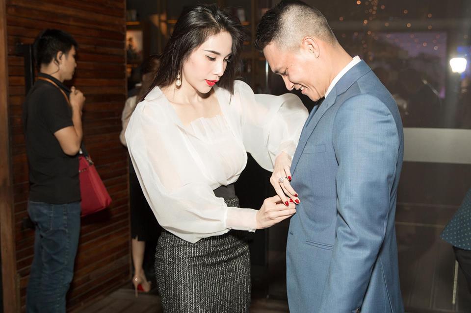 My Tam, Thuy Tien va loat sao Viet don nam moi 2018 the nao? hinh anh 3