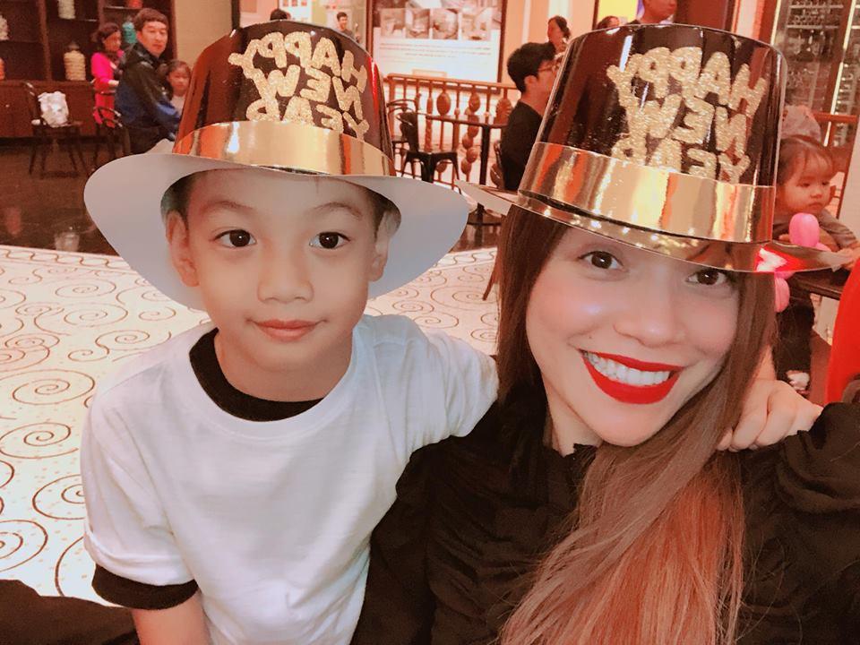 My Tam, Thuy Tien va loat sao Viet don nam moi 2018 the nao? hinh anh 2