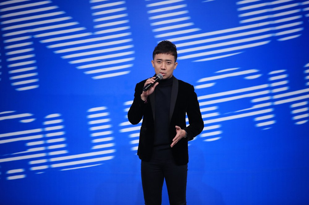 Tran Thanh thay Xuan Bac dan dat 'On gioi, cau day roi' hinh anh 1
