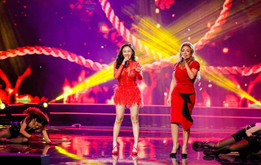 Quang Le song ca 'Chieu mua bien gioi' an y cung Le Quyen trong liveshow 6 ty dong hinh anh 4
