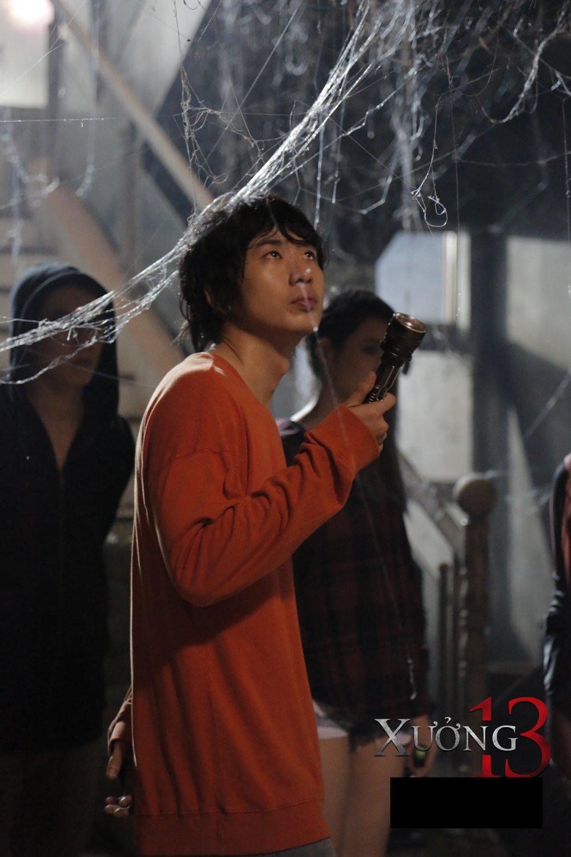 Tuan Tran cung dan dien vien 'dung tim' voi boi canh cua phim kinh di 'Xuong 13' hinh anh 1