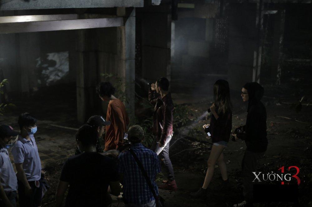 Tuan Tran cung dan dien vien 'dung tim' voi boi canh cua phim kinh di 'Xuong 13' hinh anh 3