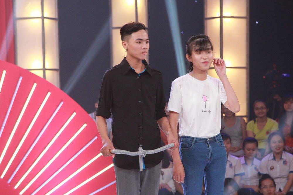 Tran Thanh, Truong Giang cuoi sac sua voi cap thi sinh 'pha nat' loat hit cua showbiz hinh anh 1