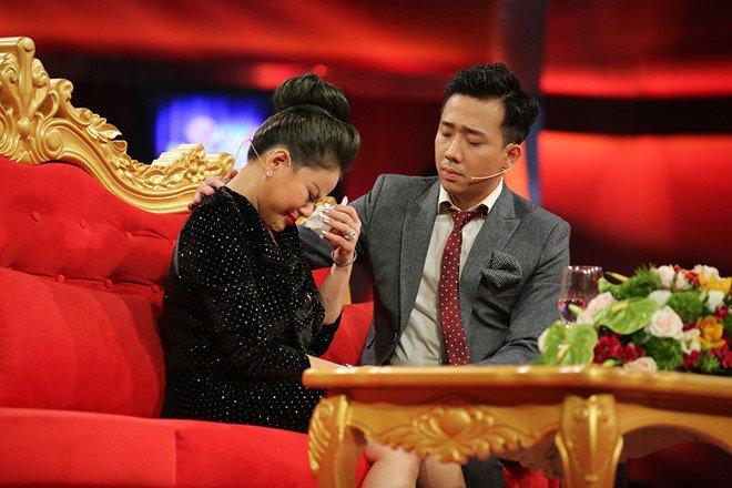 Toa moi Duy Phuong va HTV, nha san xuat 'Sau anh hao quang' den hoa gia hinh anh 2