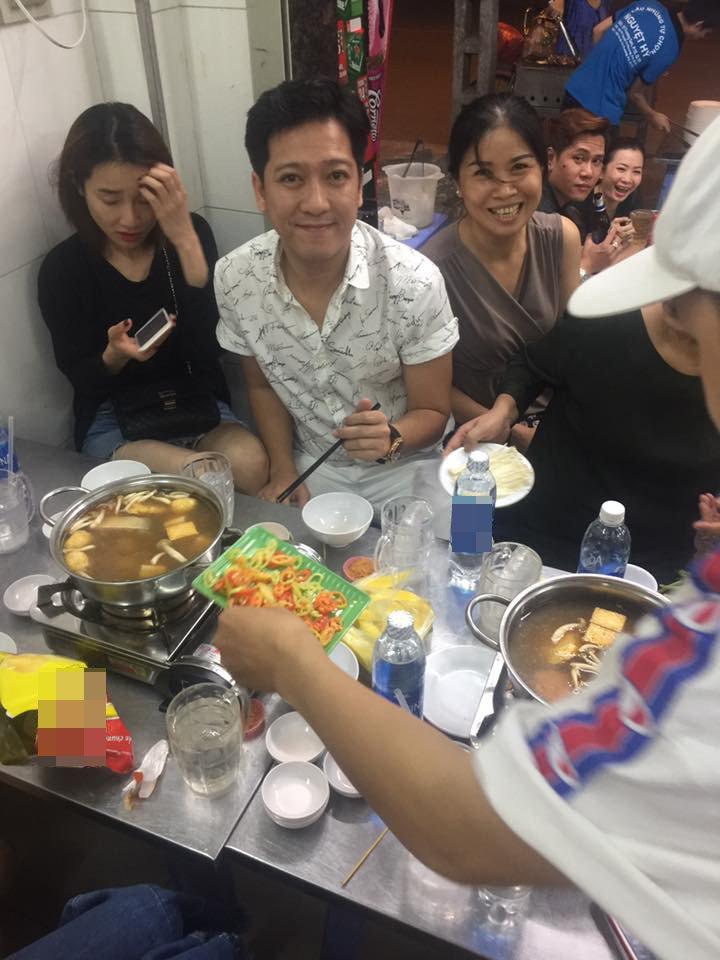 Phan ung kho hieu cua Nha Phuong khi xuat hien ben Truong Giang hinh anh 1