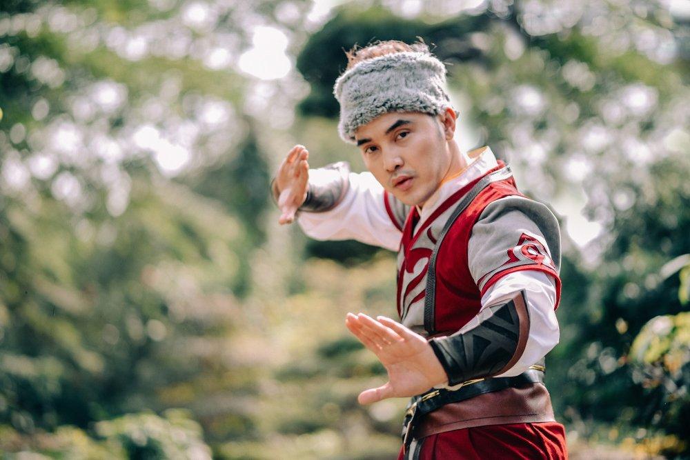 Ung Hoang Phuc - Kim Cuong cuc 'ngau' khi hoa than thanh nhan vat co trang hinh anh 8