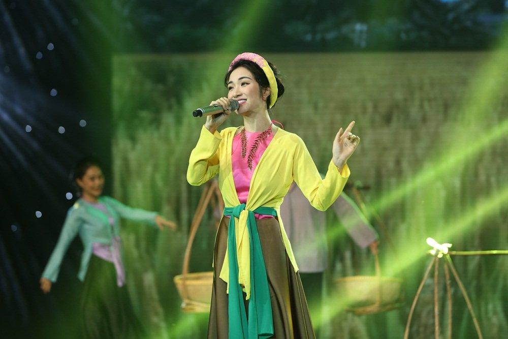 Bi don 'bang mat khong bang long' voi Giang Hong Ngoc, Hoa Minzy noi gi? hinh anh 1