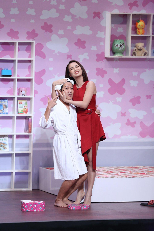 Bi mat tinh cam cua Truong Giang – Nha Phuong bi dua len 'On gioi' hinh anh 2