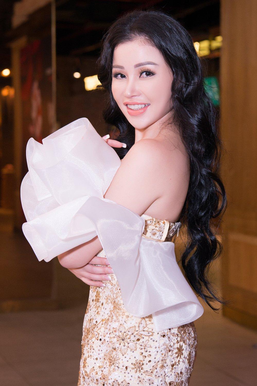 Hoa hau Janny Thuy Tran bi thuong khap nguoi khi quay MV cung Tang Nhat Tue hinh anh 3