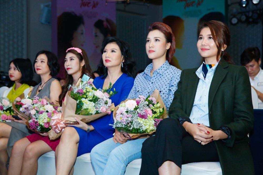 Hong Anh, Thanh Hang rot nuoc mat khi nhin lai tuoi thanh xuan hinh anh 2