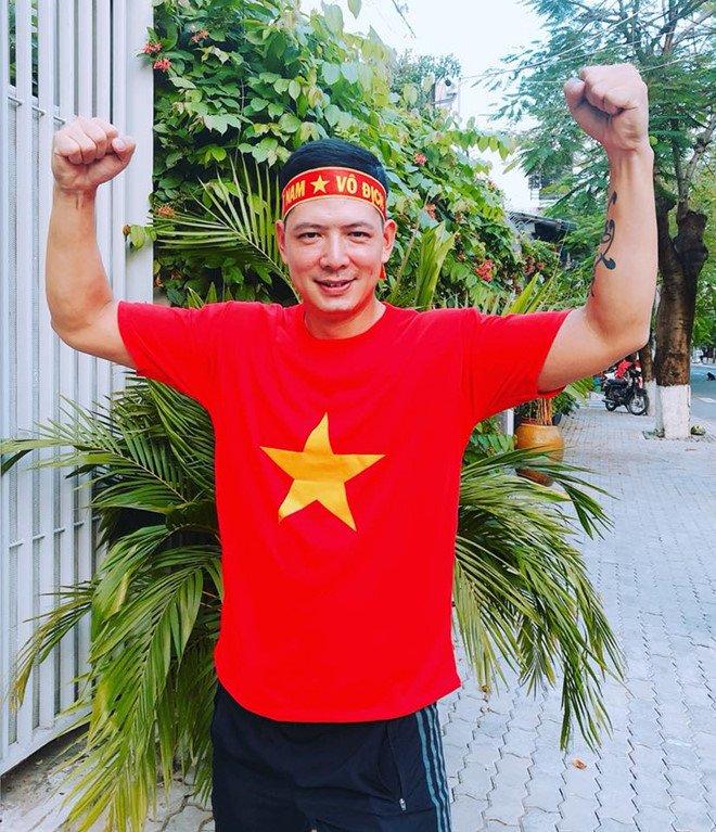 Dan nghe si Viet van thuc hien nhung dieu tung hua truoc tran chung ket cua U23 Viet Nam hinh anh 2