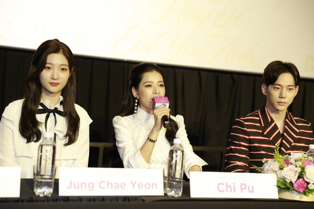 Chi Pu: 'Toi ca hat, dong phim khong phai vi tien' hinh anh 1