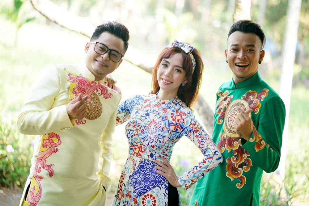 Con trai Thu Trang – Tien Luat lan dau dong hai cung ba me hinh anh 4