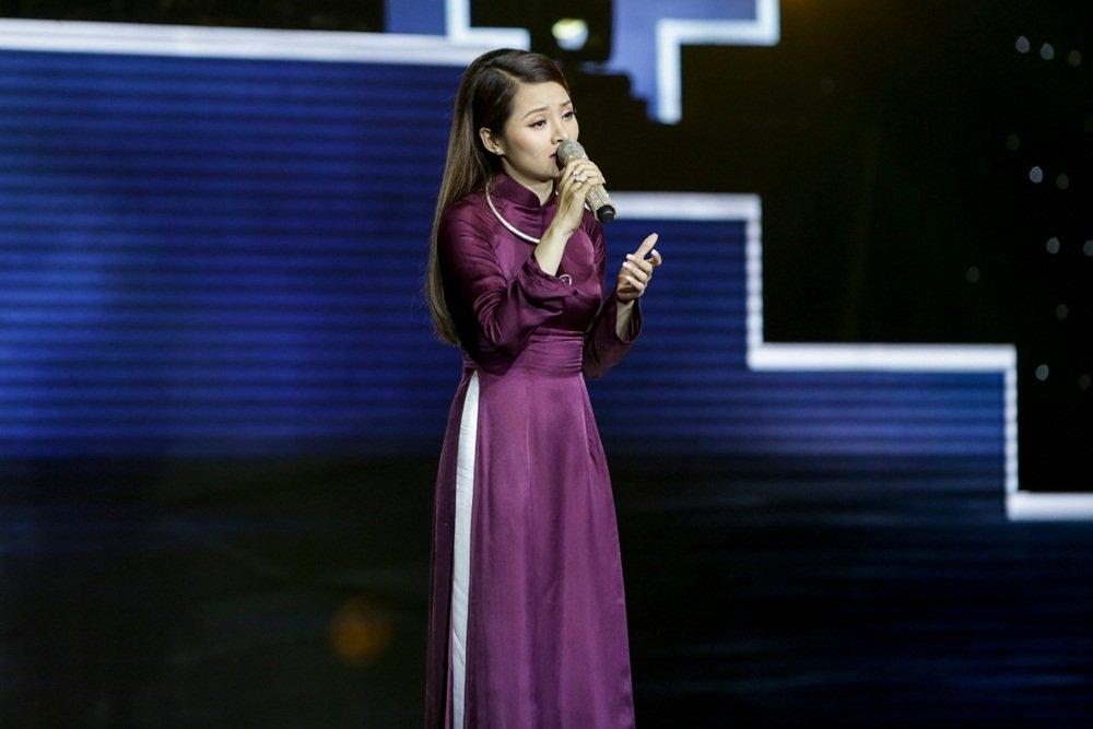 Nhu Quynh 'khau chien' voi Quang Le vi ban sao Nha Phuong hinh anh 3