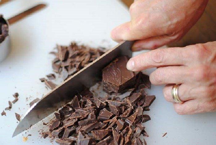 Huong dan cach lam socola cho Valentine don gian tai nha hinh anh 1