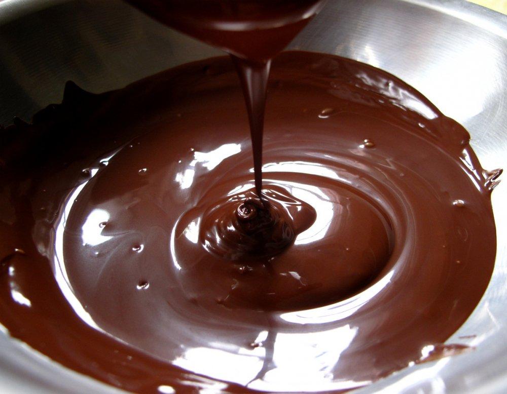 Huong dan cach lam socola cho Valentine don gian tai nha hinh anh 2
