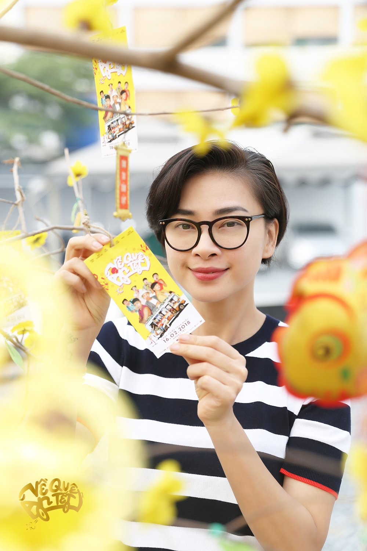Ngo Thanh Van cung Jun Pham tu tay goi banh chung tang nguoi ngheo don Tet hinh anh 8
