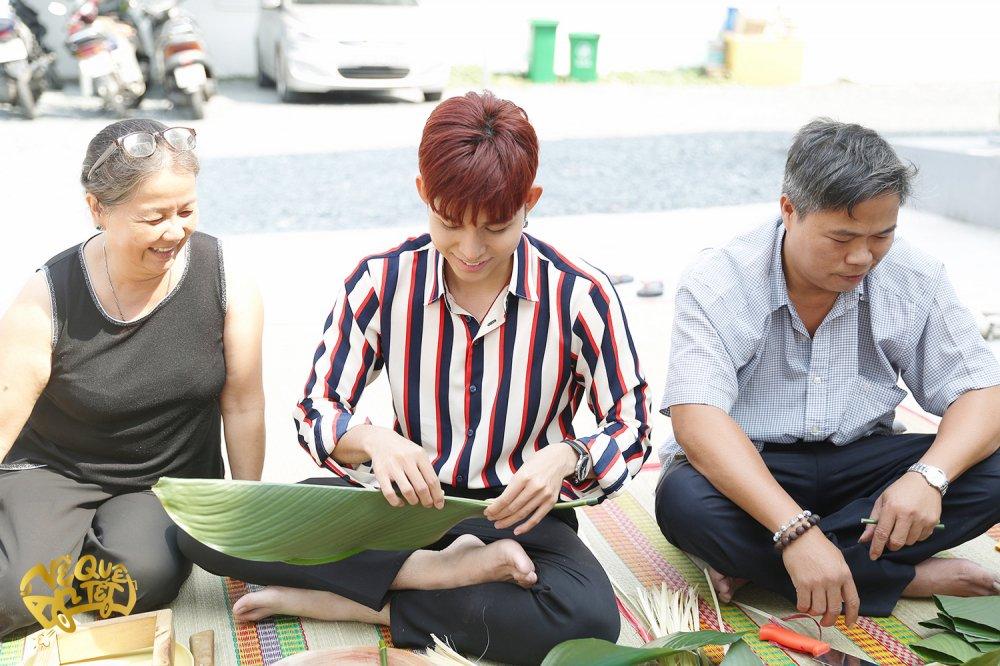 Ngo Thanh Van cung Jun Pham tu tay goi banh chung tang nguoi ngheo don Tet hinh anh 1