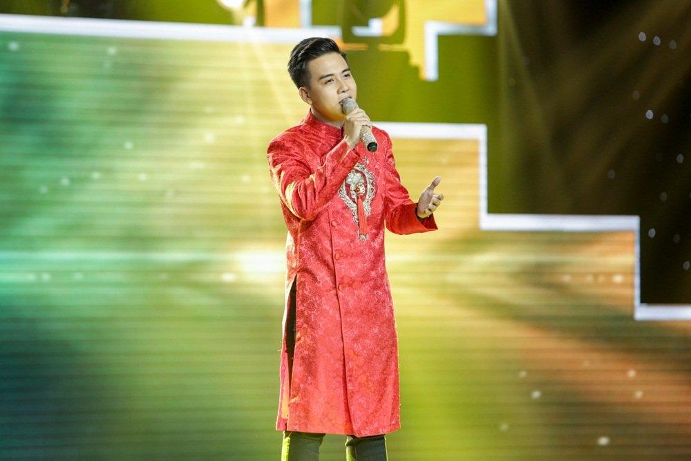 Nhu Quynh – Quang Le tranh nhau chang trai lai 2 dong mau Viet - An hinh anh 2