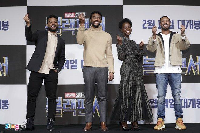 'Black Panther' la sieu anh hung Marvel dau tien len bia tap chi TIME hinh anh 2