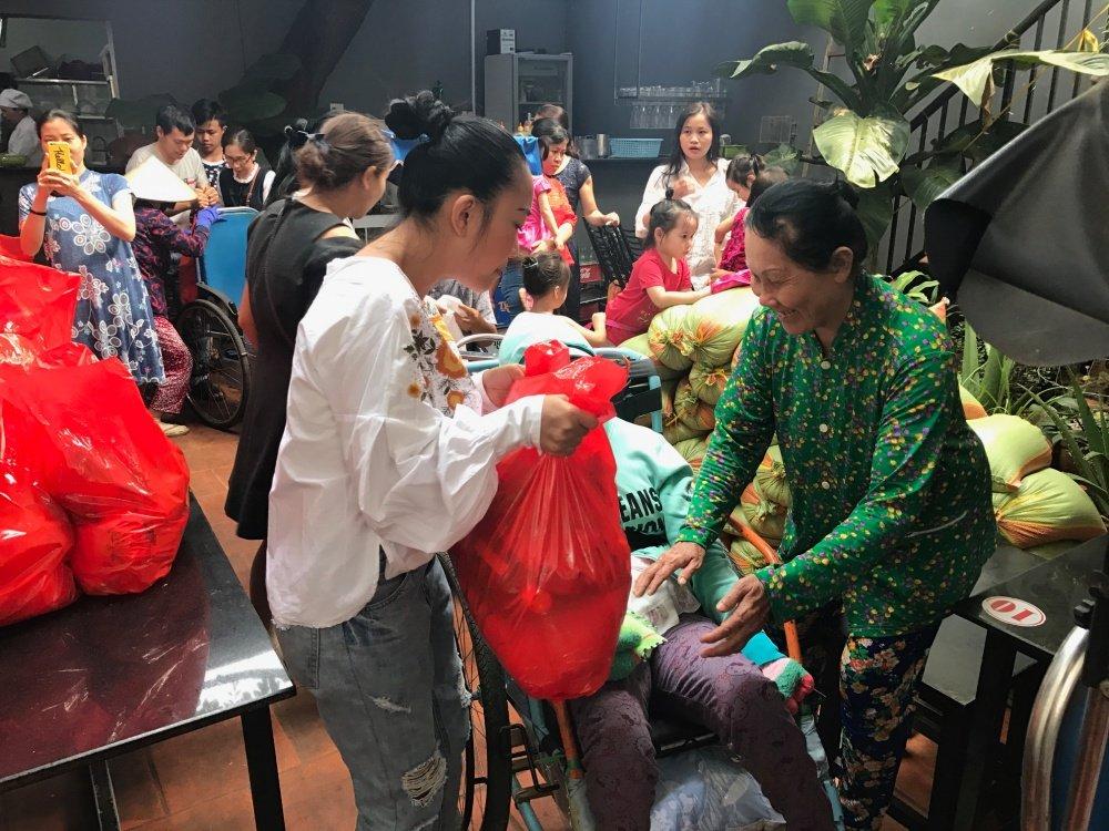Vo chong Doan Trang don sinh nhat doi dac biet tai An Do hinh anh 9