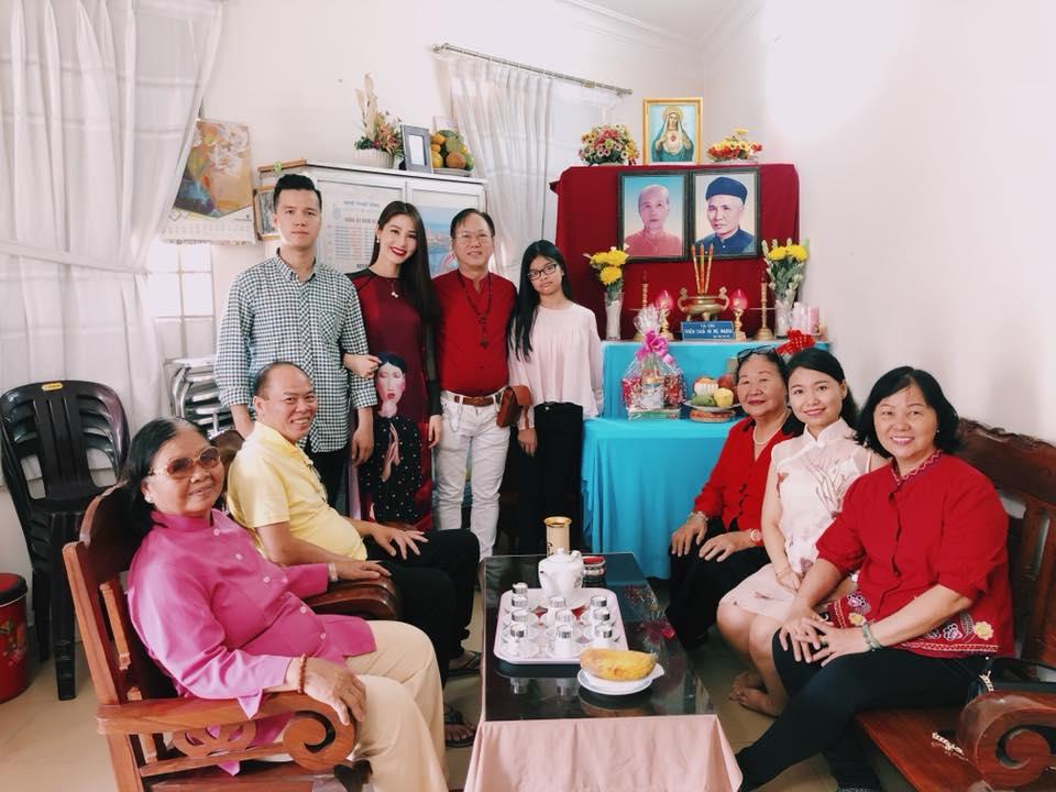 Sao Viet sang mung 1 Tet Nguyen Dan di dau, lam gi? hinh anh 10