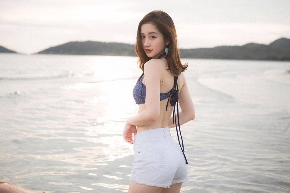 My nhan Viet va nhung duong cong nong bong 'dot mat' nguoi xem hinh anh 20