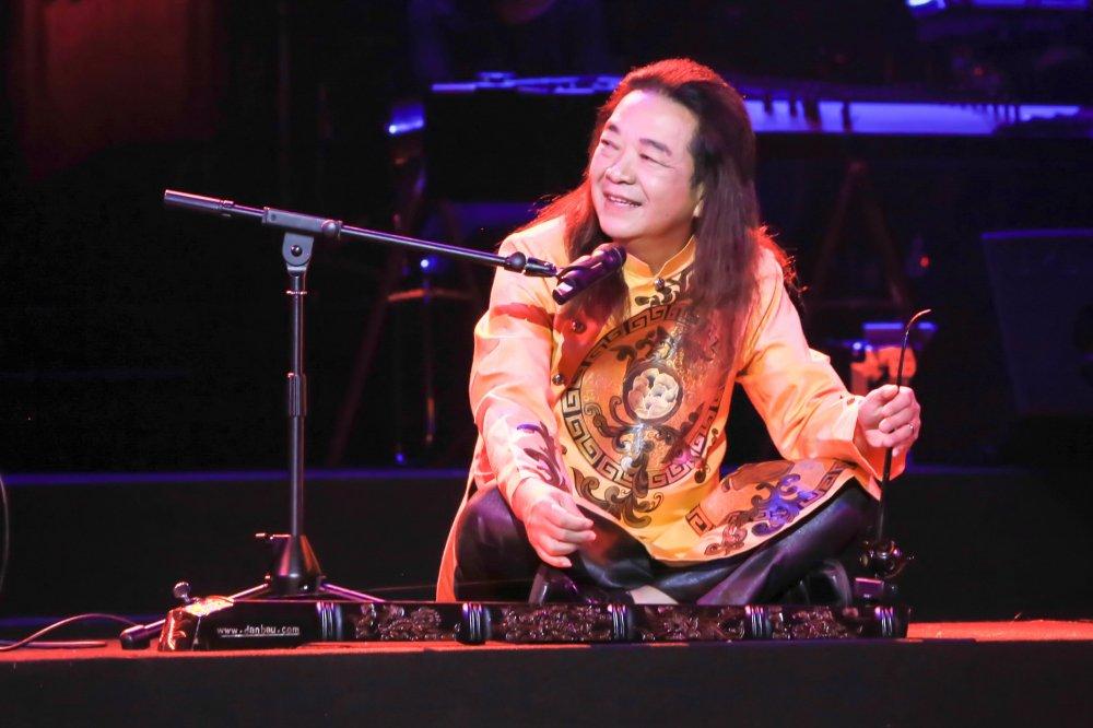 Khan gia 'noi da ga' khi Trong Tan song ca Bolero cung Quang Le hinh anh 1