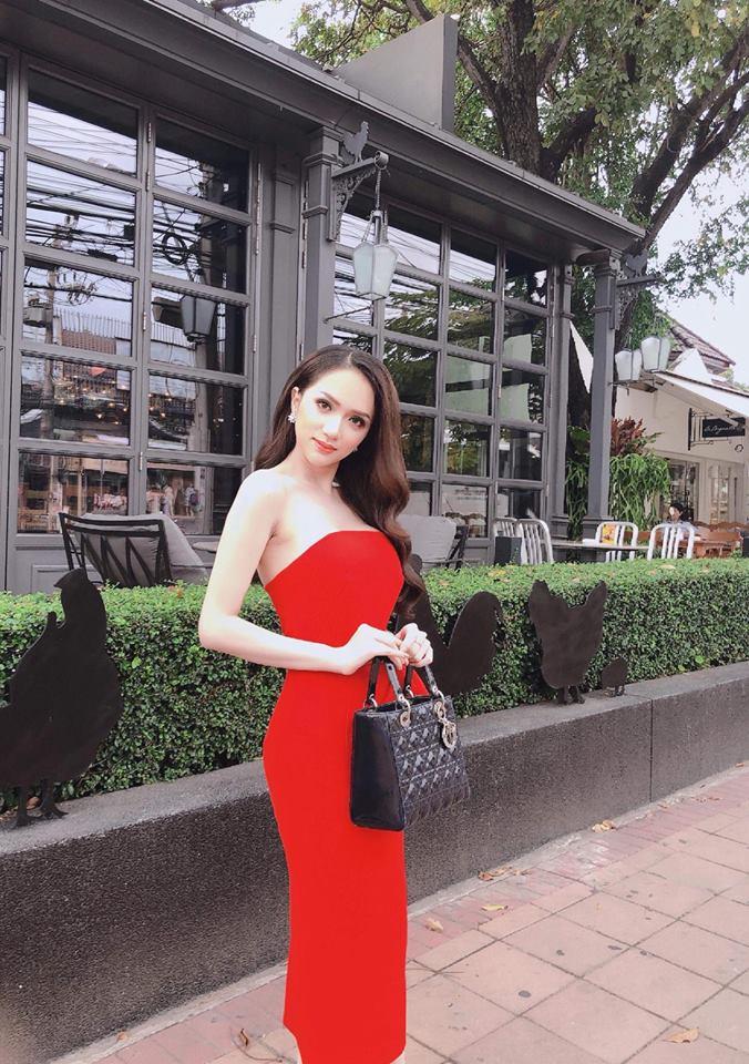 Huong Giang nhin doi, ngu guc tren ban khi thi Hoa hau Chuyen gioi hinh anh 1