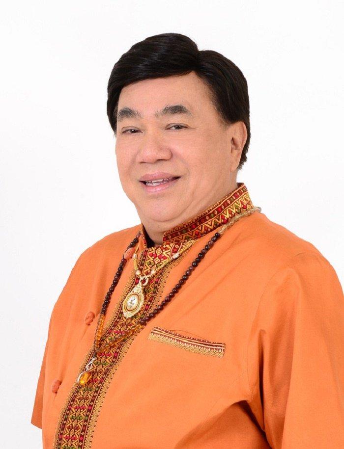 Huong Giang duoc truong BTC Hoa hau Chuyen gioi Quoc te khen ngoi het loi hinh anh 1
