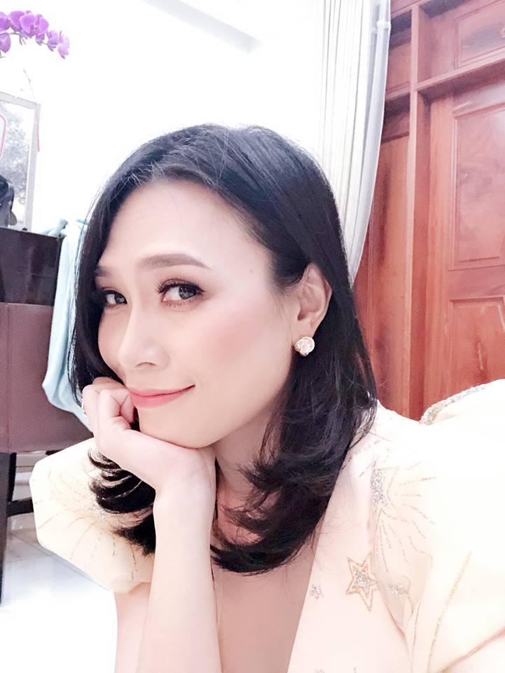 Sau Truong Giang, Viet Huong 'lay loi' xin album My Tam hinh anh 2