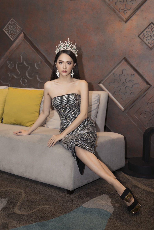 Hoa hau Huong Giang khoe nhan sac xinh dep o Thai Lan hinh anh 6