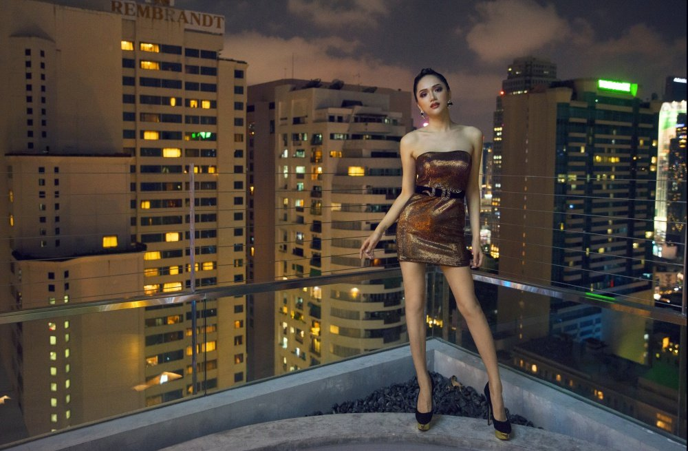 Hoa hau Huong Giang khoe nhan sac xinh dep o Thai Lan hinh anh 8