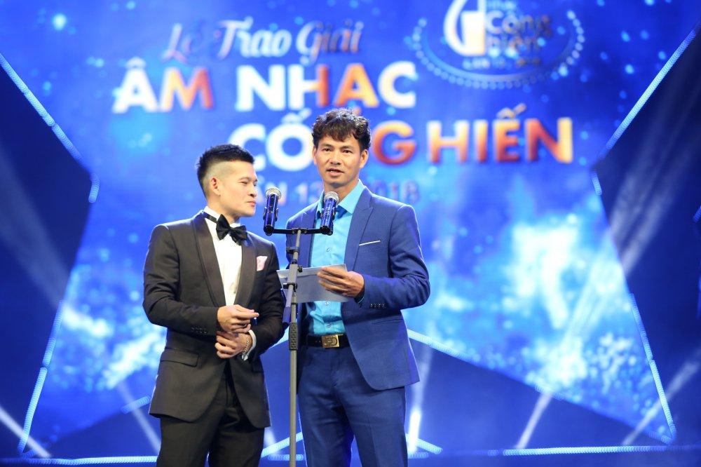 Viet Tu 'da xeo' Truong Giang, cau hon Xuan Bac tren song truc tiep hinh anh 1