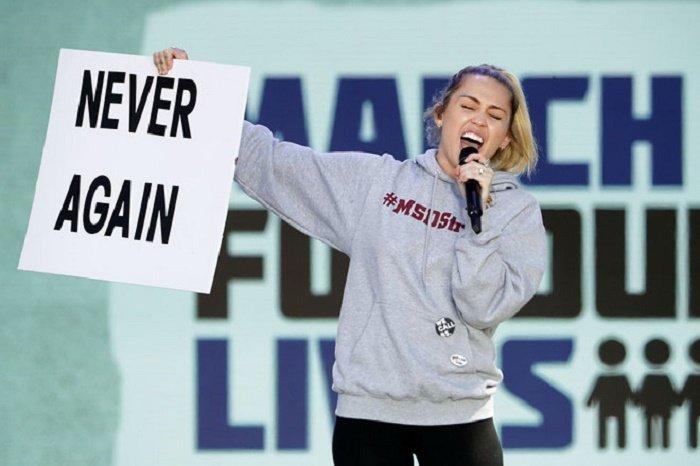 Miley Cyrus trinh dien 'The Climb' day xuc dong sau gan 10 nam hinh anh 1