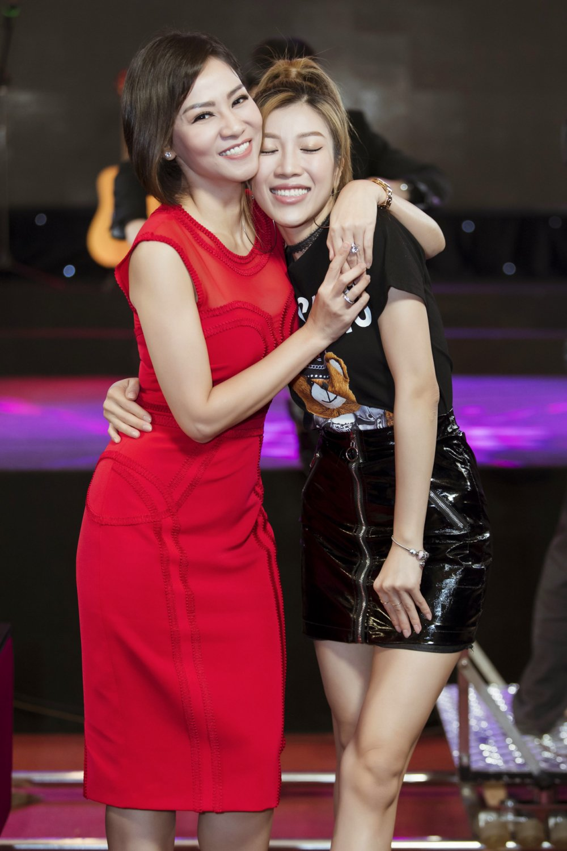 Tra My Idol, Trang Phap 'mat tron mat det' xem Thu Minh thi pham cho thi sinh hinh anh 6