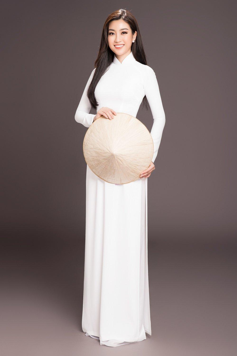 Kết quả hình ảnh cho đỗ mỹ linh mặc áo dài trắng