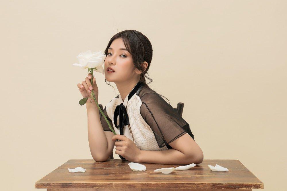 Hoang Yen Chibi: 'Doi luc phai hoi sexy mot chut, khong the kin cong cao tuong mai duoc' hinh anh 2