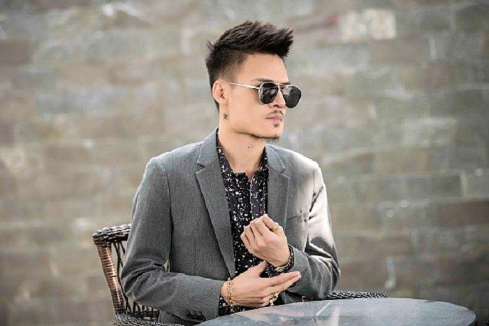 'Hien tuong mang' Hoa Vinh: Khong muon tao scandal, mong duoc khan gia biet den la nguoi biet hat hinh anh 1