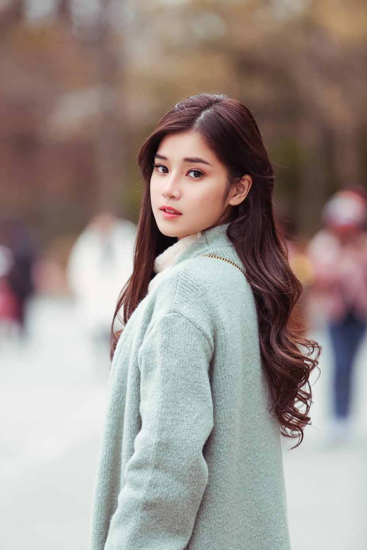 Hoang Yen Chibi tu lam stylist, khoe nhan sac trong veo tai Han Quoc hinh anh 3