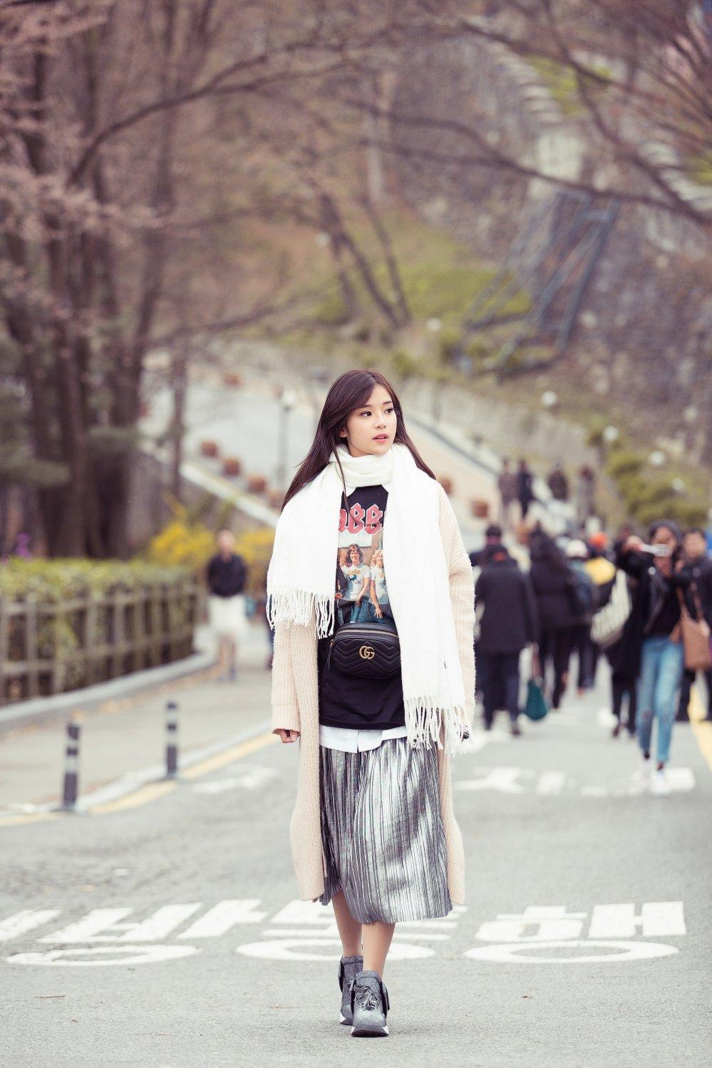 Hoang Yen Chibi tu lam stylist, khoe nhan sac trong veo tai Han Quoc hinh anh 10