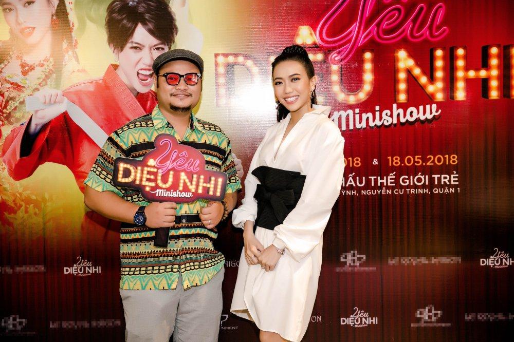 Dieu Nhi chia se ly do ban trai Anh Tu vang mat trong minishow dau tien cua minh hinh anh 4