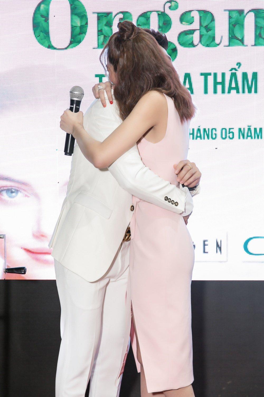 Linh Chi: 'Lam Vinh Hai la nguoi dan ong quan trong nhat voi toi' hinh anh 3