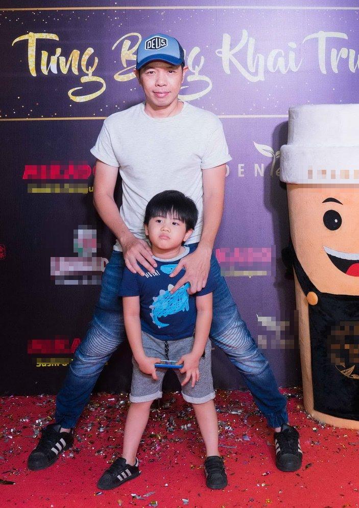 Thai Hoa dien trang phuc gian di cung vo con den chuc mung ban than hinh anh 2