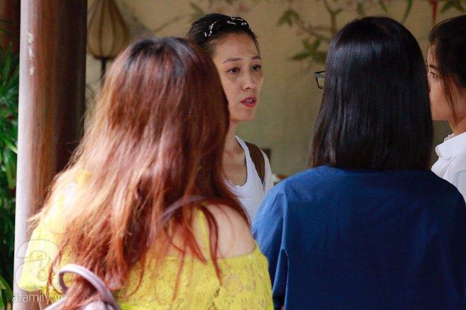 Chong len tieng xin loi trong scandal ga tinh: Vo Pham Anh Khoa phan ung the nao? hinh anh 2