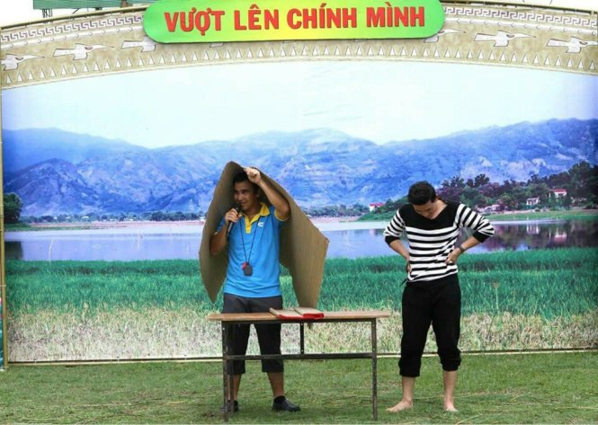 Nhung hinh anh chi co o Quyen Linh - MC binh dan nhat Viet Nam hinh anh 10