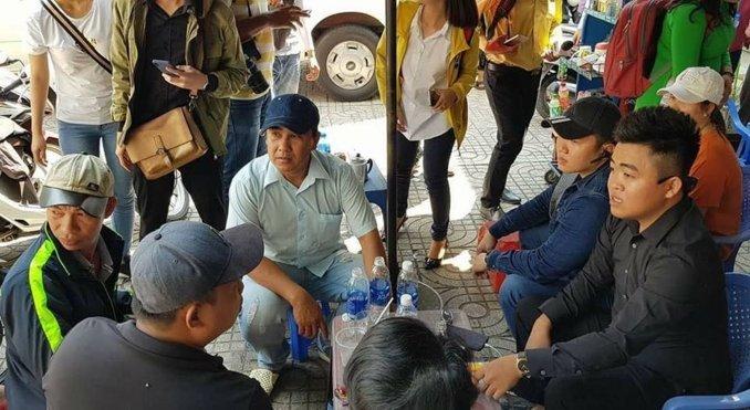 Nhung hinh anh chi co o Quyen Linh - MC binh dan nhat Viet Nam hinh anh 1